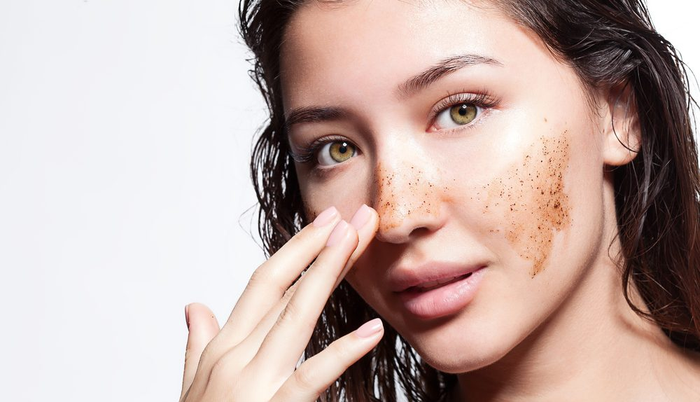 How to Properly Use an Exfoliator